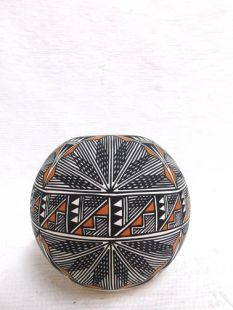 Native American Acoma Handpainted Ball Pot