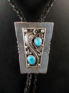 Vintage Native American Navajo Made Bolo with Turquoise