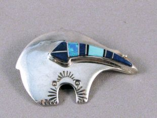 Native American Navajo Made Bear Pin/Pendant with Spirit Line
