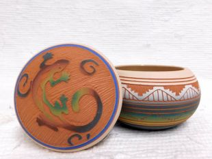 Native American Navajo Red Clay Small Round Jewelry Box with Lizard