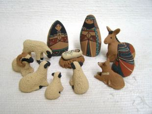 Mata Ortiz Handbuilt and Handpainted 12-Piece Nativity