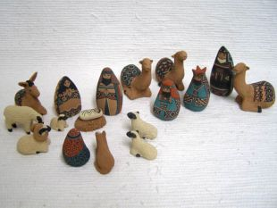 Mata Ortiz Handbuilt and Handpainted 18-Piece Nativity