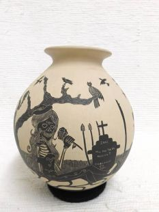 Mata Ortiz Handbuilt and Handetched Day of the Dead Pot
