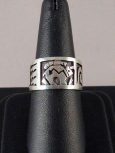 Native American Hopi Made Ring with Spirit Bear