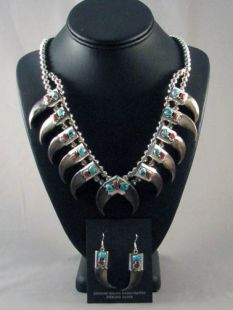 Native American Navajo Made Necklace and Earrings with Bear Claws
