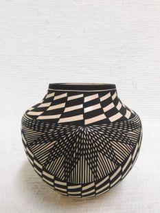 Native American Acoma Handbuilt and Handpainted Traditional Pot