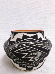 Native American Acoma Handpainted Pot