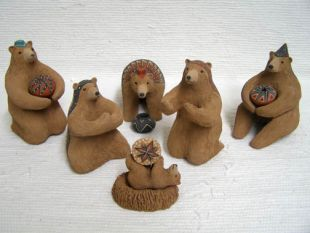 Mata Ortiz Handbuilt and Handpainted Bear Nativity