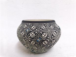 Native American Acoma Handpainted and Etched Bowl