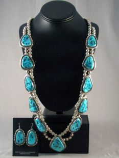Native American Navajo Made Necklace and Earrings Set with Turquoise