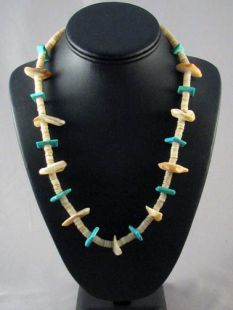 Vintage Native American Santo Domingo Made Turquoise and Shell Necklace