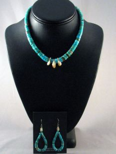 Native American Santo Domingo Made Turquoise Necklace and Earrings